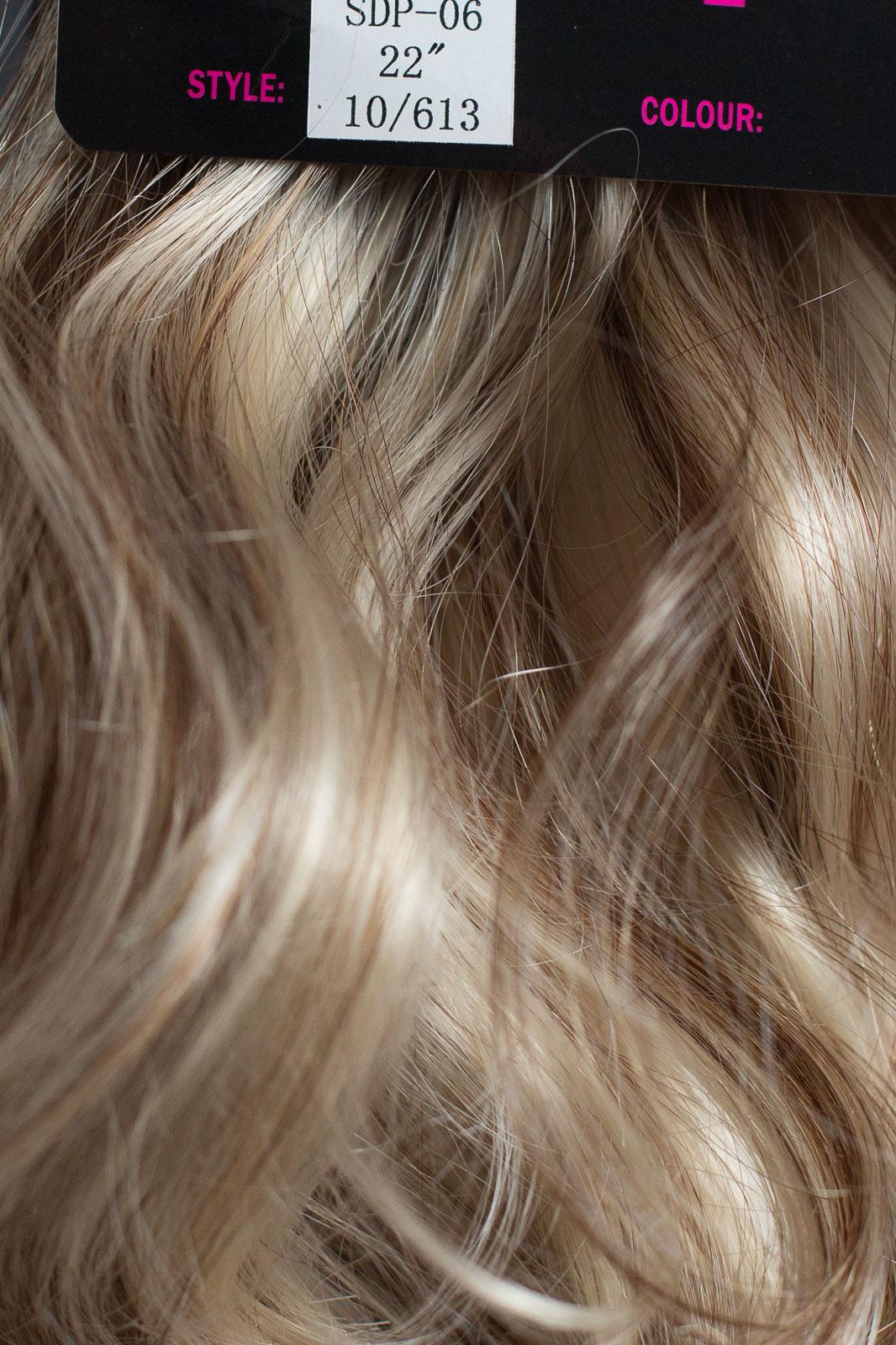 Pince-Queue-de-Cheval-Dans-Le-Morceau-De-Cheveux-Cendre-Marron-Melange-Blond